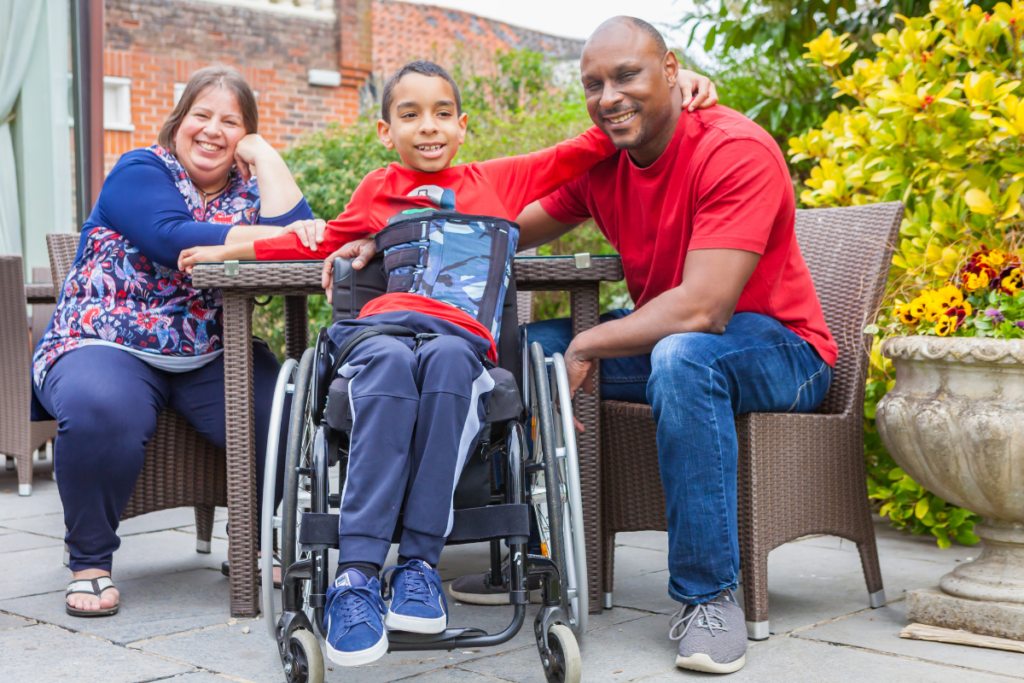 A family with a young person with a spinal cord injury. Join our Youth Break Out Lounges for support.